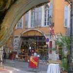 Brocante_Place_aux_aires_Grasse_invitart