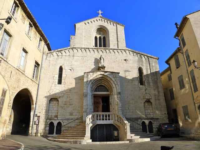 11 grasse kathedrale provence invitartblog for Accrobranches salon de provence